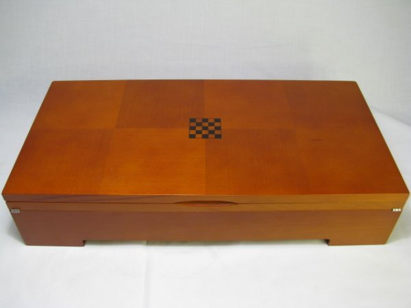360: MICHAEL GRAVES CARVED CHESS SET WITH BOARD & BOX