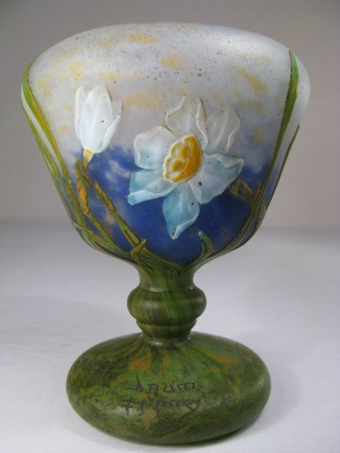 437: DAUM NANCY WHEEL CARVED CAMEO ART GLASS VASE