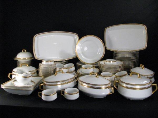 & 442: FRAUREUTH GERMAN DINNERWARE WHITE GOLD CHINA 126pc