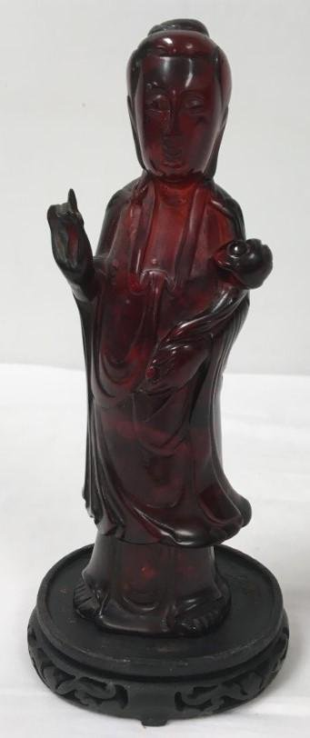 CHINESE CARVED AMBER GUANYIN BODHISATTVA SCULPTURE