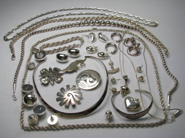 13: ASSORTED STERLING SILVER JEWELRY