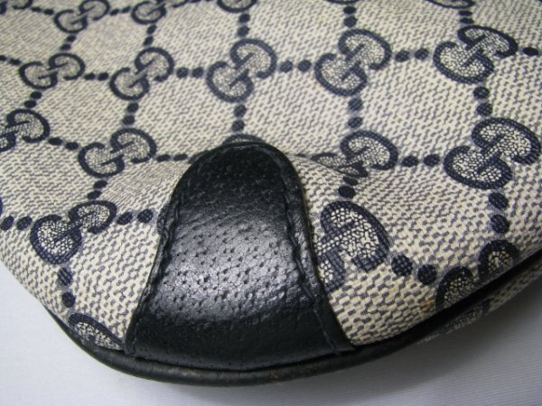 16: GUCCI ACCESSORY COLLECTION CLUTCH BAG w/ STRAP - 2
