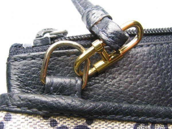 16: GUCCI ACCESSORY COLLECTION CLUTCH BAG w/ STRAP - 6