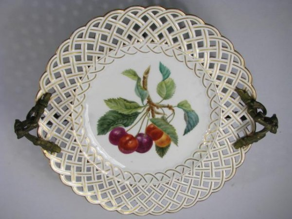 408: RETICULATED PLATE- FRUIT DESIGN DORE BRONZE STAND