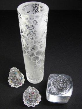 912: FOUR CONTEMPORARY ART GLASS PIECES LENOX HOUK VASE