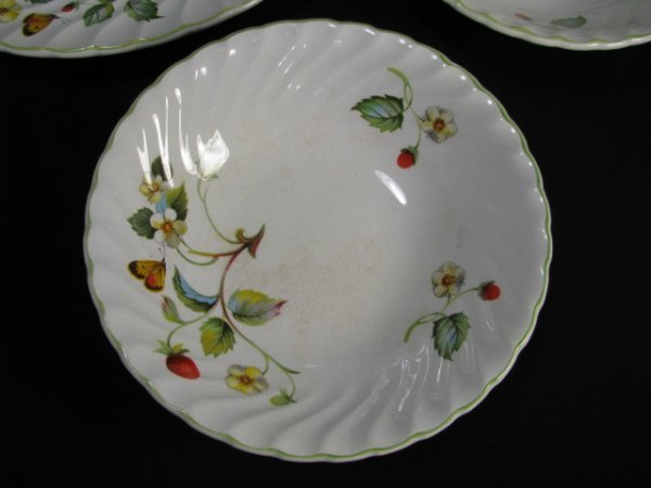 1199: JAMES KENT OLD FOLEY STRAWBERRY DINNERWARE 9 PCS - 2