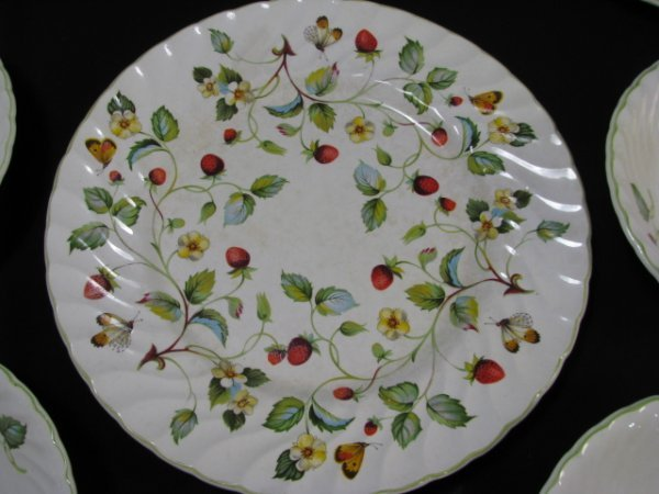 1199: JAMES KENT OLD FOLEY STRAWBERRY DINNERWARE 9 PCS - 3