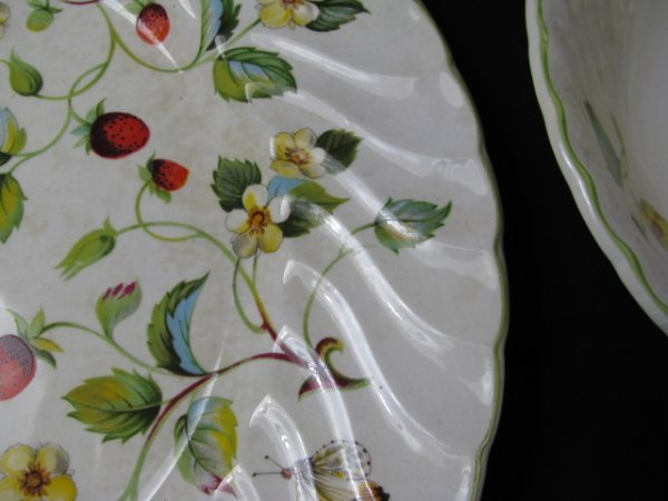 1199: JAMES KENT OLD FOLEY STRAWBERRY DINNERWARE 9 PCS - 4