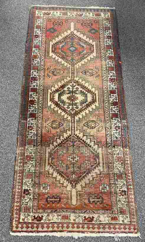 """VINTAGE PERSIAN HAND KNOTTED WOOL RUG 3'2"""" X 7'3"""""""