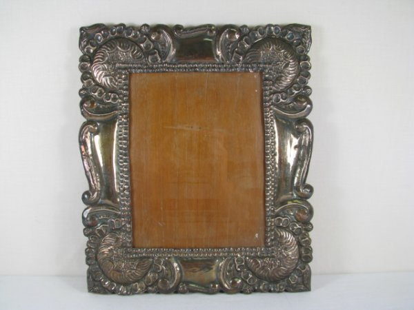 14: LARGE SHELL & SCROLL STERLING SILVER PICTURE FRAME