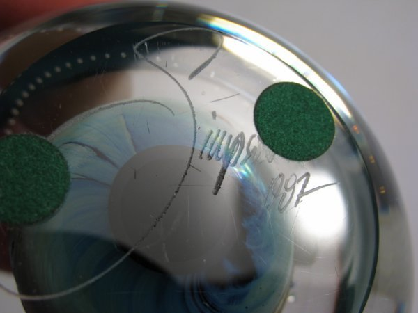 208: JOSH SIMPSON ART GLASS PLANET PAPERWEIGHT SIGNED - 7