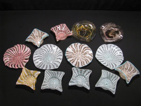 15: ITALIAN RIBBON ART GLASS HANDKERCHIEF BOWLS 13 PCS