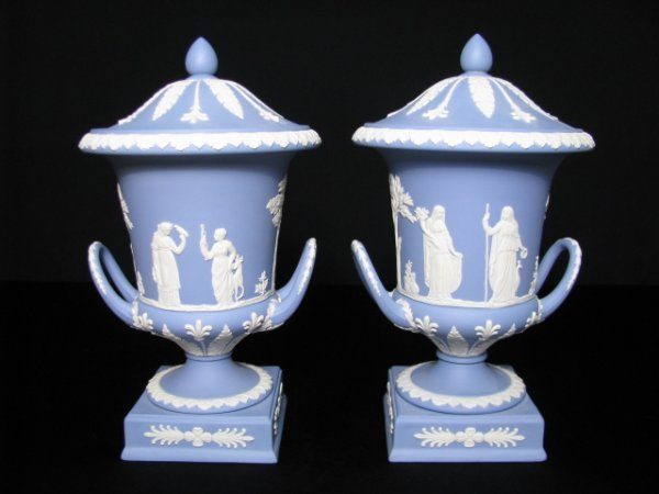 17: WEDGWOOD BLUE JASPER  COVERED HANDLED VASES PR