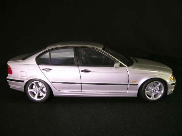 766: U T MODELS CAR BMW 3 SERIES SEDAN GREY