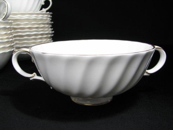 181: ROYAL DOULTON CHINA DINNERWARE ADRIAN 88 pieces - 6