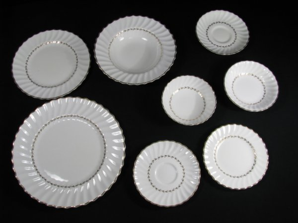 181: ROYAL DOULTON CHINA DINNERWARE ADRIAN 88 pieces - 9