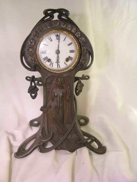 259: ANSONIA ART NOUVEAU CAST IRON ANTIQUE MANTLE CLOCK