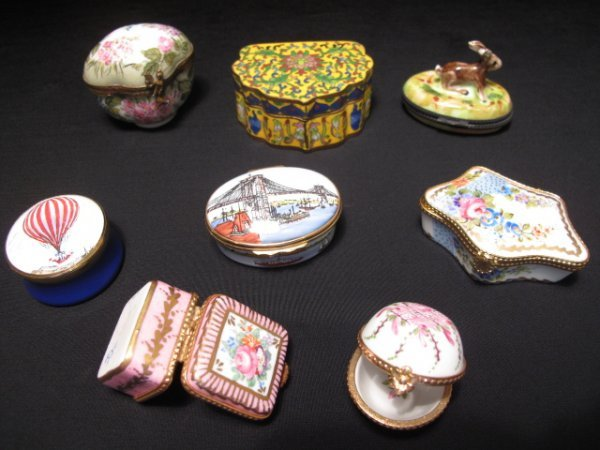 436: EIGHT PILL BOXES LIMOGES CLOISONNE HAND PAINTED