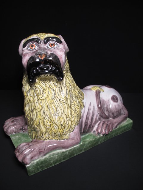 6: DECORATIVE HAND PAINTED ITALIAN CERAMIC LION