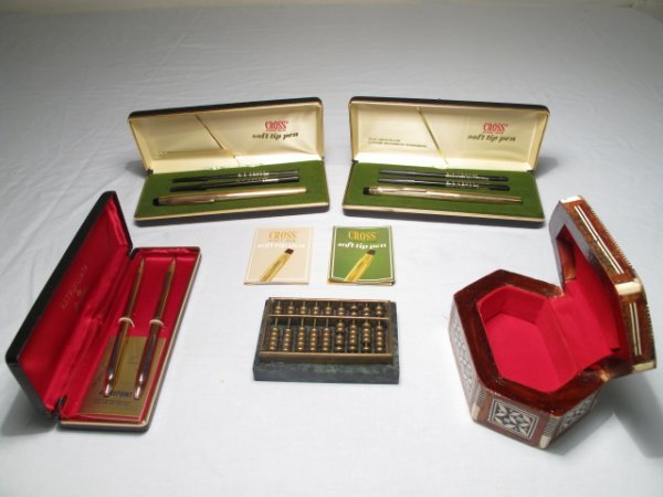23: FIVE COLLECTIBLE ITEMS CROSS PENS ABACUS BOX