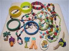268: FIFTEEN PIECES OF VINTAGE & OTHER COSTUME JEWELRY