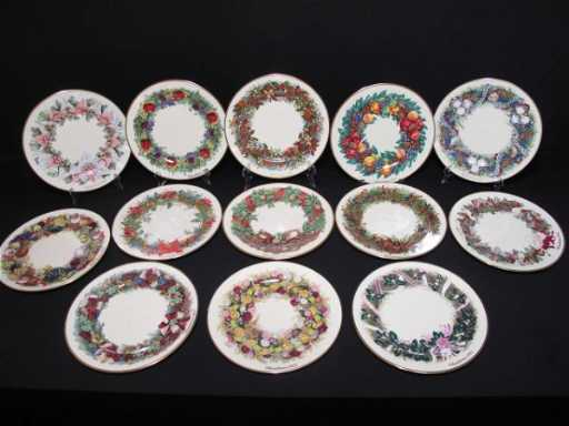 340 thirteen lenox christmas wreath 13 colonies plates