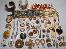 27: OVER THIRTY PCS VINTAGE & OTHER COSTUME JEWELRY