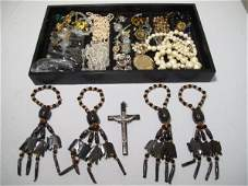 255 A COLLECTION OF COSTUME AND VINTAGE JEWELRY