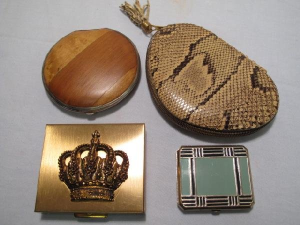 10: LOT OF FOUR VINTAGE ASSORTED LADIES COMPACTS