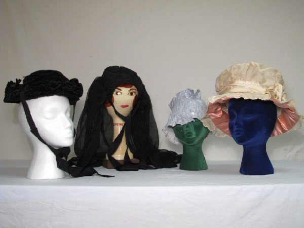 21: 19th CENTURY HATS: bonnets, mourning hat etc