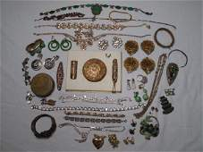 112: VINTAGE COSTUME JEWELRY GREEN FILIGREE DECO RHINES