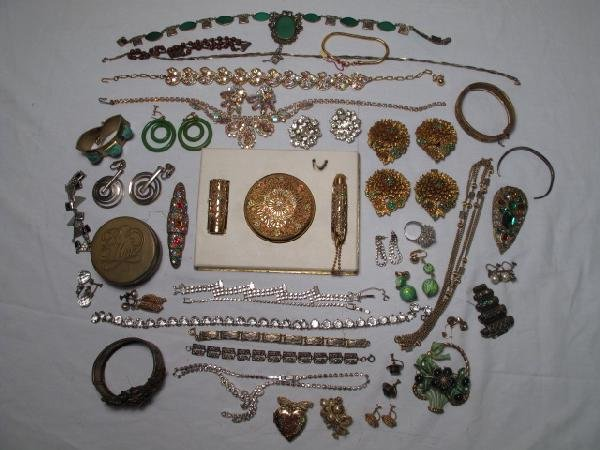 112: VINTAGE COSTUME JEWELRY GREEN FILIGREE DECO RHINES