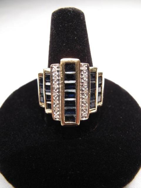 213: 14kt GOLD SAPPHIRE DIAMOND RING