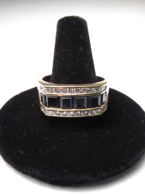 214: 14kt YELLOW GOLD SAPPHIRE DIAMOND RING