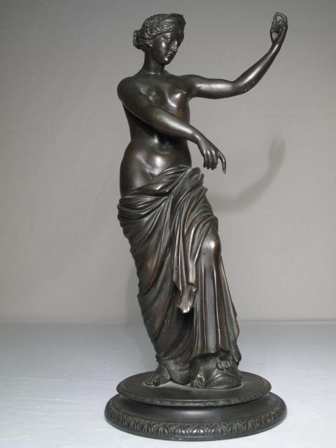 16: BRONZE SCULPTURE OF A  ROMAN GODDESS