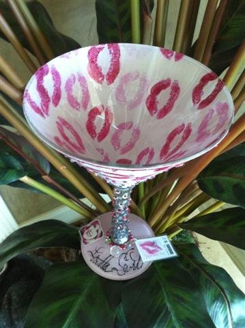17: NIFF CELEBRITY MARTINI GLASS: LORETTA SWIT