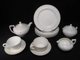 GROUP WEDGWOOD QUEENSWARE CHINA