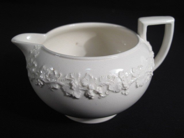 6: GROUP WEDGWOOD QUEENSWARE CHINA - 6
