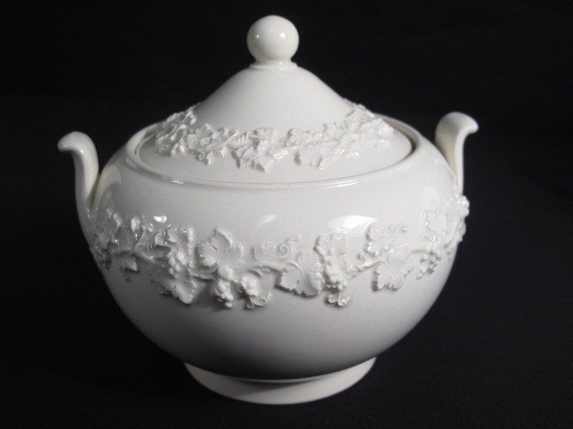 6: GROUP WEDGWOOD QUEENSWARE CHINA - 7