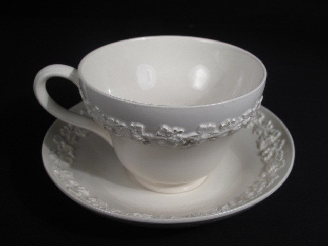 6: GROUP WEDGWOOD QUEENSWARE CHINA - 8