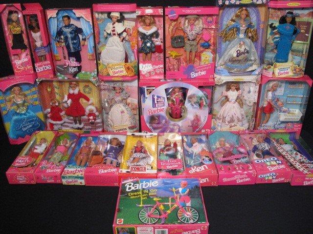 29: BARBIE DOLLS FRIENDS & FAMILY IN BOXES 25 PCS