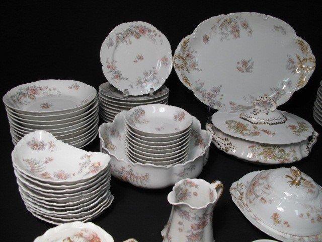 262: HAVILAND LIMOGES FINE CHINA DINNERWARE SET 93 PCS - 2