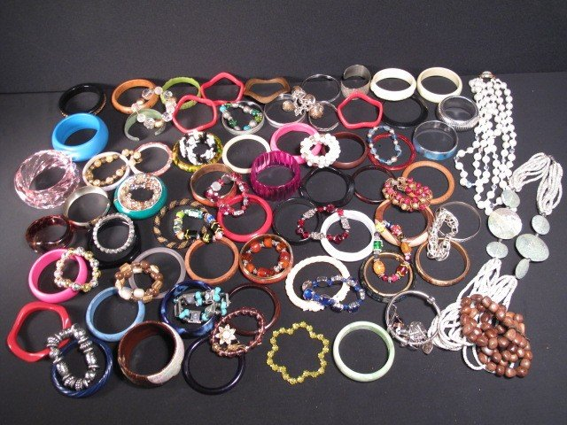 8: LOT ASSORTED LADIES COSTUME JEWELRY BRACELETS ETC