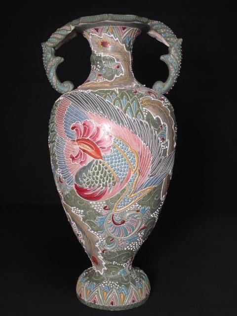 15: LARGE JAPANESE GREEN MORIAGE EARTHENWARE VASE