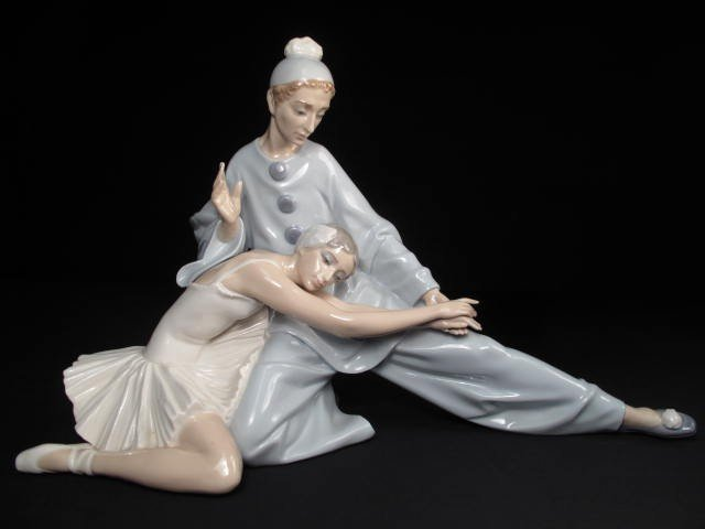 20: LARGE LLADRO DOUBLE FIGURE BALLET & CLOWN