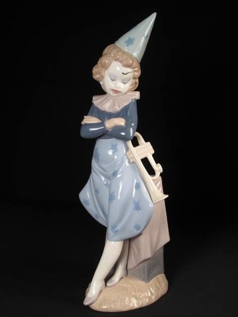 22: LLADRO PORCELAIN CLOWN FIGURE GIRL WITH TRUMPET