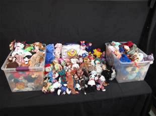 ENORMOUS LOT OF BEANIE BABIES 320+