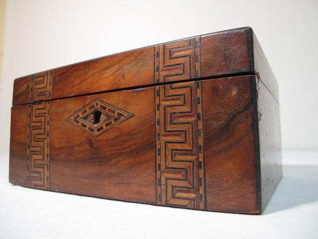 12: BURLED INLAY WOODEN SEWING BOX
