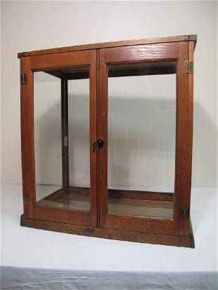 ANTIQUE WOODEN STORE DISPLAY CASE