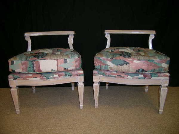19: PR WHITE WASHED UPHOLSTERED VANITY BENCH SEATS